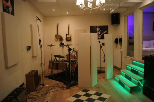 GIK Acoustics Screen panels in Studio