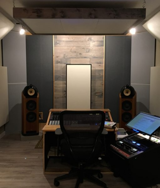 Bass Traps Tri Traps and hanging cloud panels by GIK Acoustics in Sun Room Audio Mastering Studio straight on