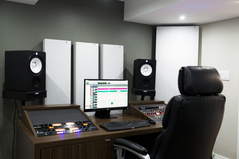GIK Acoustics Acoustic panels and bass traps Studio-Mike-10