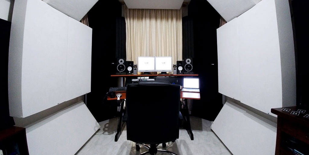 Luigi Lusini GIK Acoustics Bass traps on side walls